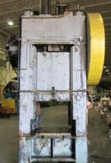 """Image for 200 Ton, Lake Erie #S1-200-30-36, 8"""" stroke, 30"""" x36"""" bed, 40 SPM, press mounted, air cooled & brake"""