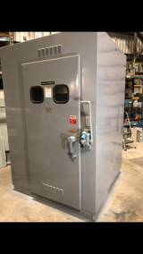 Image for 600 Amp. S & C Electric Co, disconnect, 14.5 KV, NOFUSE possibility to repaint, (2 idenitcal available)